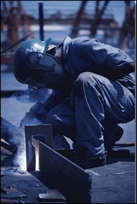 http://canadianeconomy.gc.ca/english/economy/images/economy_overview/welder_200.gif